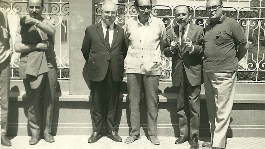 En la imagen histórica, de izquierda a derecha, Juan Régulo, el alcalde de Tazacorte, Pedro Lezcano, Carlos Pinto y Luis Cobiella.