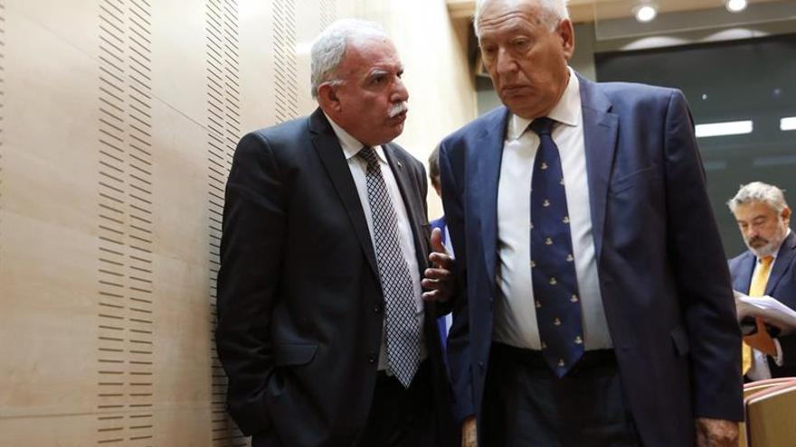 Margallo y el ministro de Exteriores palestino abordan el proceso electoral en la región