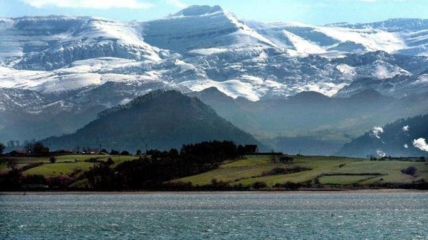 ARCA alerta del riesgo de destrucción del paisaje del Arco Sur de la Bahía de Santander