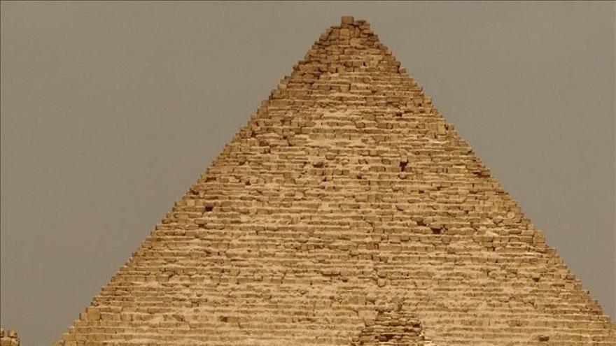 Finaliza la restauración de la esfinge y de la pirámide de Micerino en Egipto