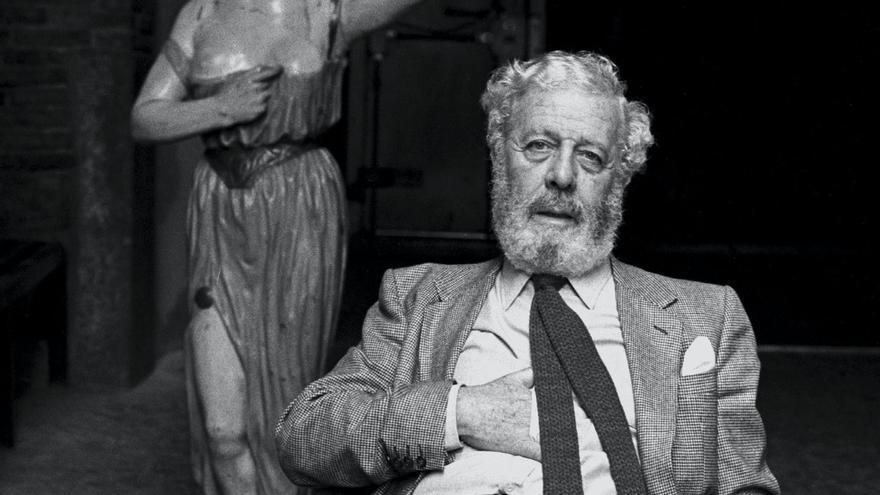 Anarquista, burgués, anticlerical y erotómano: así era la cara oculta de Berlanga, un cineasta irrepetible