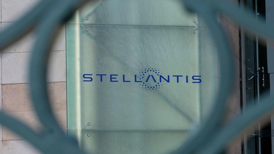 Stellantis dejó de fabricar 190.000 coches en enero-marzo por suministros