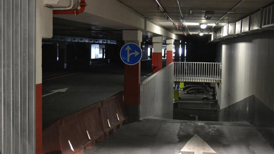La segunda planta del parking de La Marga se encuentra cerrada ante la falta de demanda.