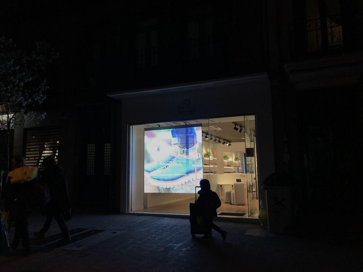 Pantalla LED en la calle Augusto Figueroa | SOMOS CHUECA