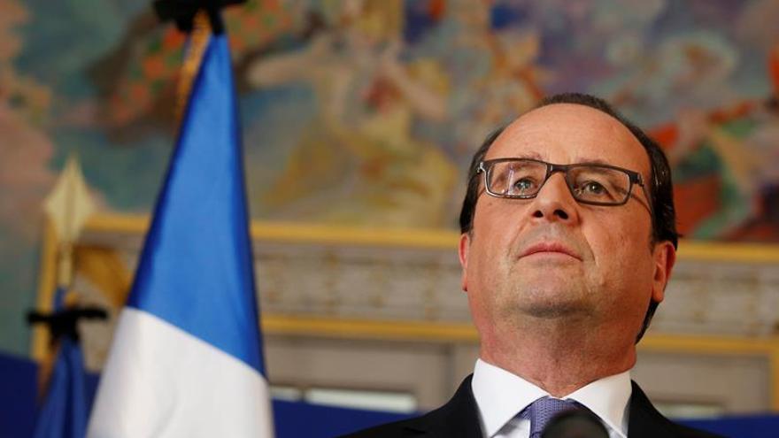 Hollande preside nuevo consejo de seguridad y defensa sobre el ataque en Niza