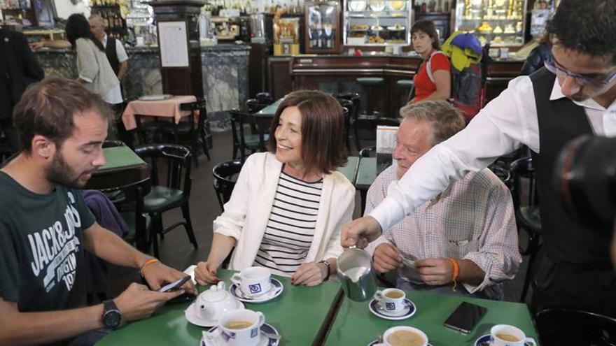 La candidata de C's a la Xunta pasa la mañana de reflexión en un antiguo café