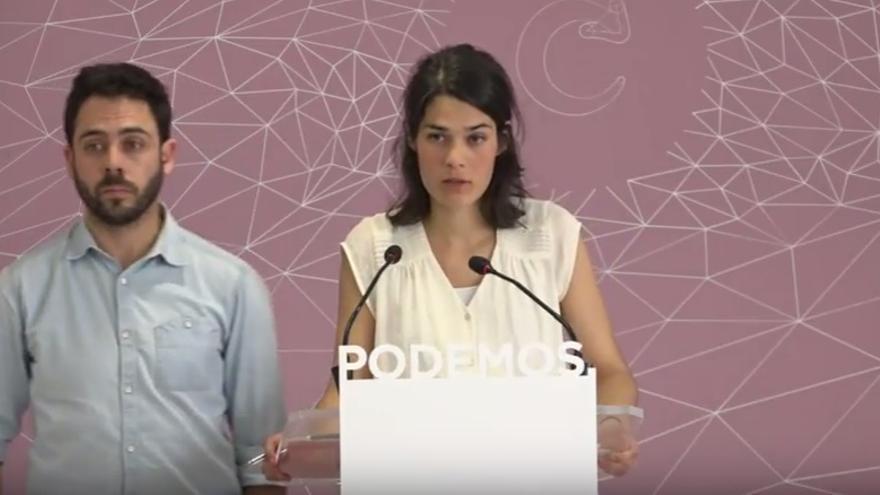 La portavoz de Podemos Madrid, Isabel Serra, y el secretario de Organización, Fran Casamayor.