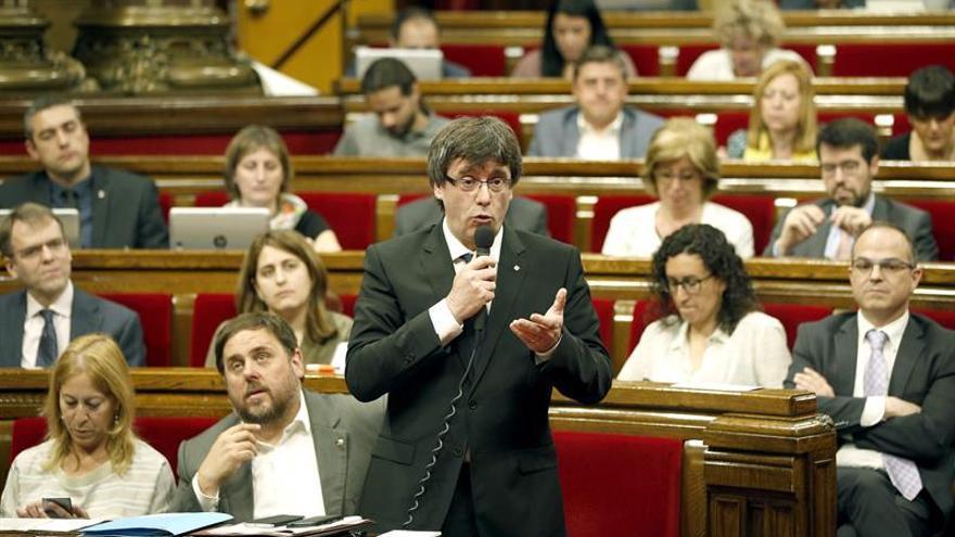 """Puigdemont reta al PP a abrirse a hablar """"de todo"""" en ausencia de violencia"""