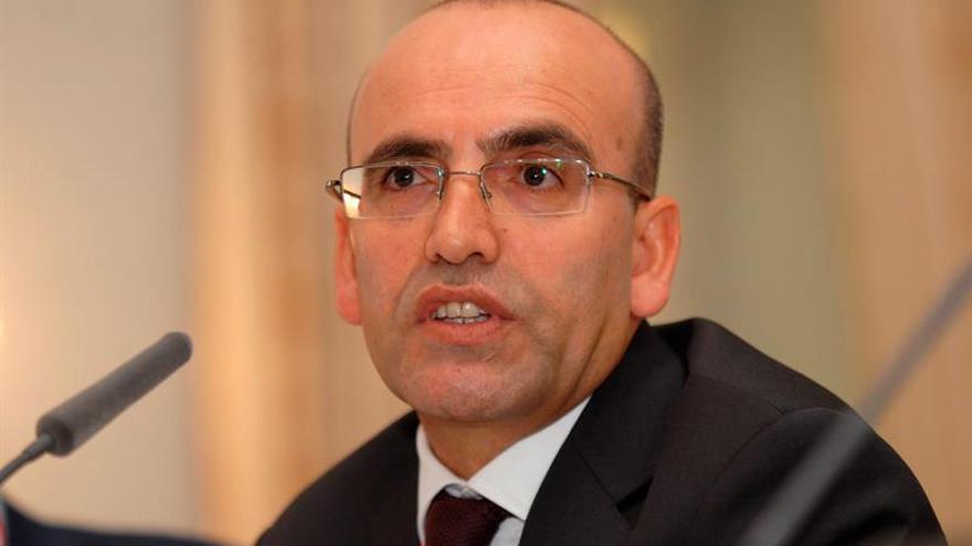 Turquía pide que agencias de calificación revisen su evaluación tras el golpe