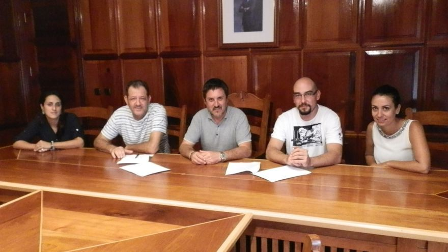 Firma del convenio de colaboración entre el Ayuntamiento de Garafía y el Consejo Regulador Queso Palmero.