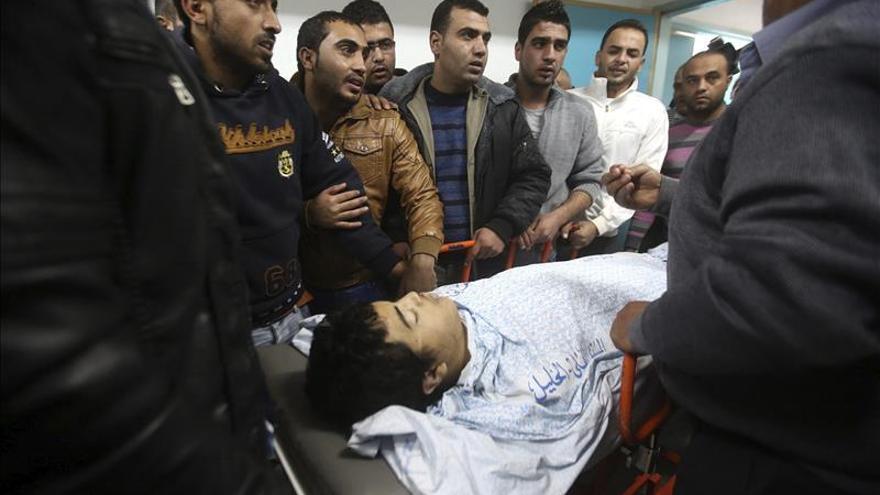 Muere un palestino por heridas de fuego israelí en Hebrón