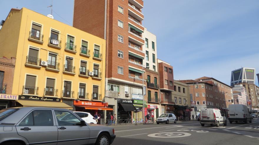 Local de apuestas de Luckia al comienzo de Bravo Murillo, junto a Plaza de Castilla
