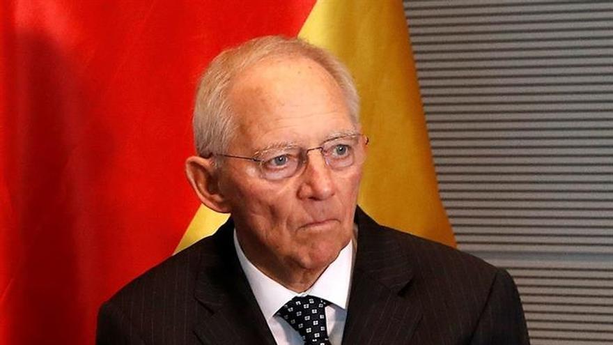 """Schäuble y Tajani piden más """"dinámica"""" en el proceso de integración europea"""