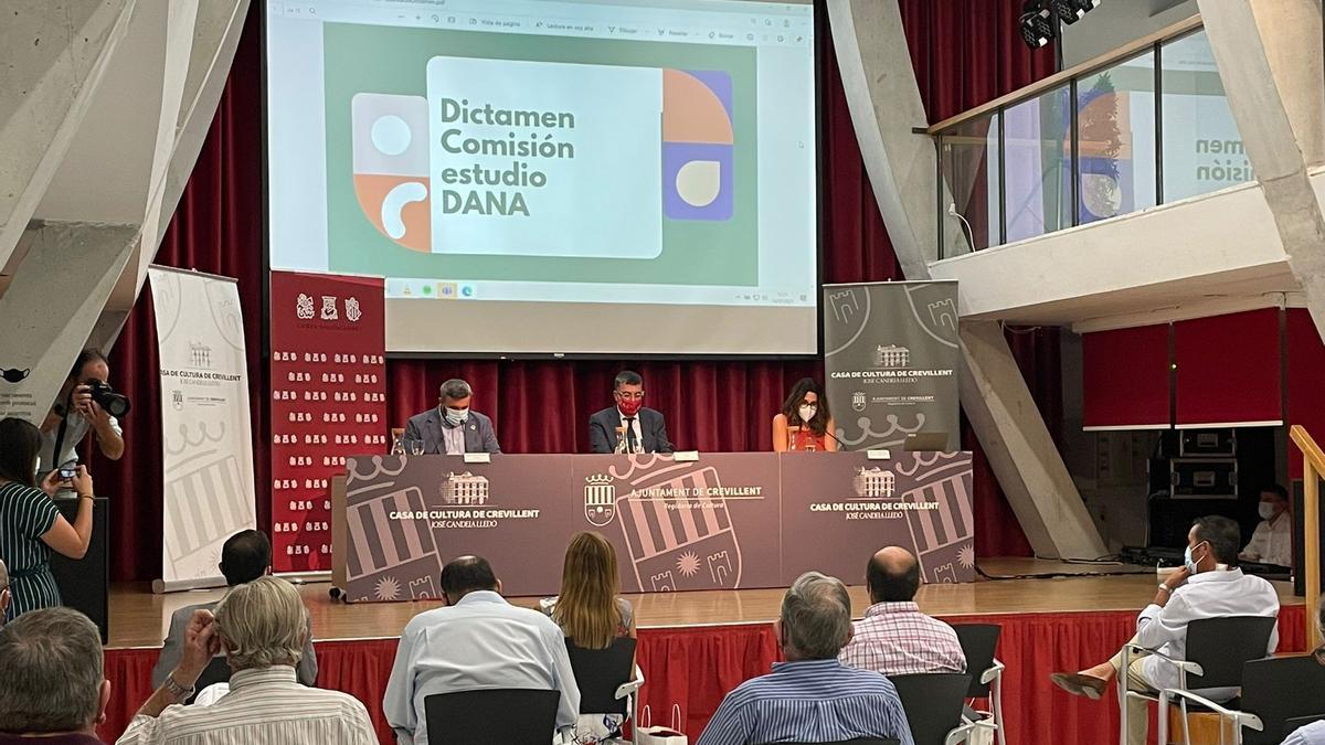 Presentación del dictamen de la comisión de la DANA en Crevillent.