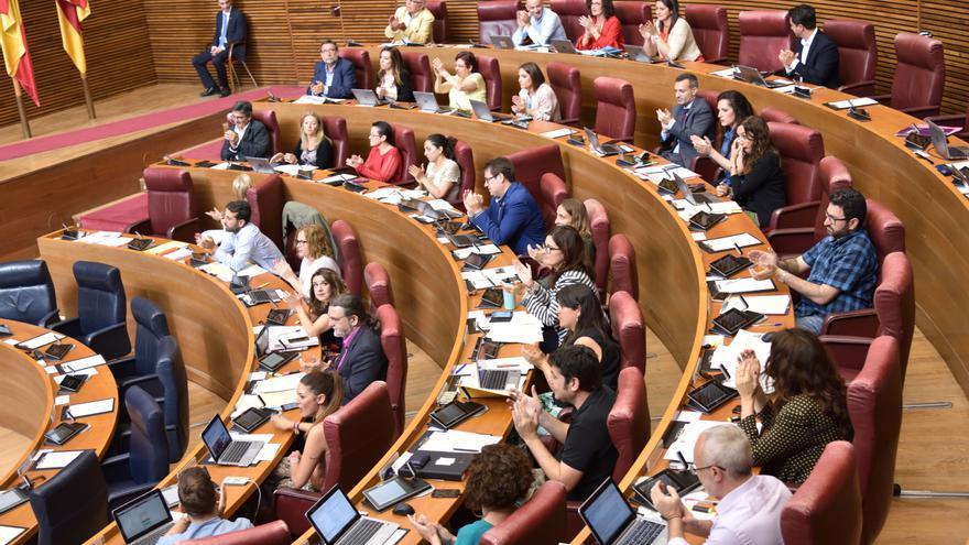 Vista del hemiciclo de las Corts Valencianes durante un pleno.