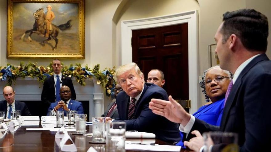"""La Casa Blanca, abierta a un juicio político en el Senado con """"testigos serios"""""""