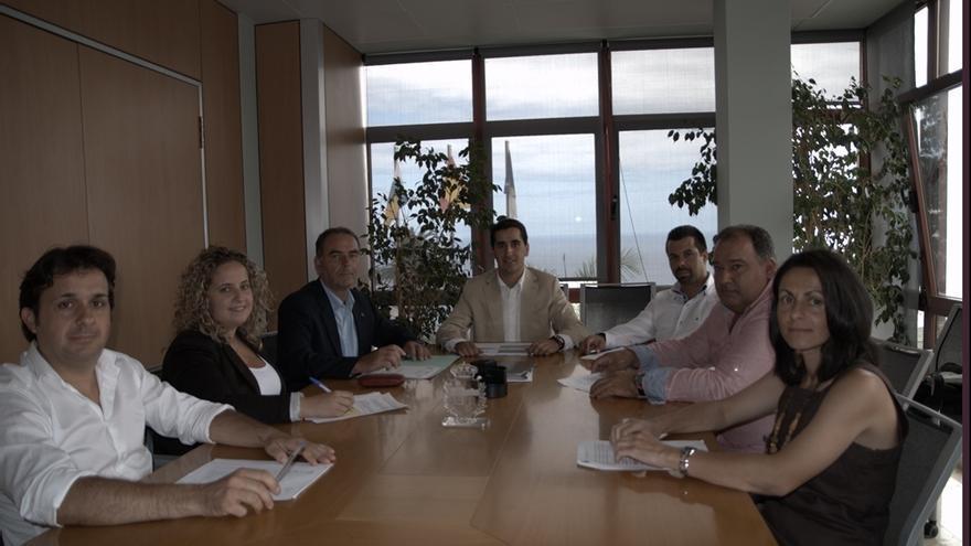 En la imagen, los miembros de la Corporación de Breña Baja.