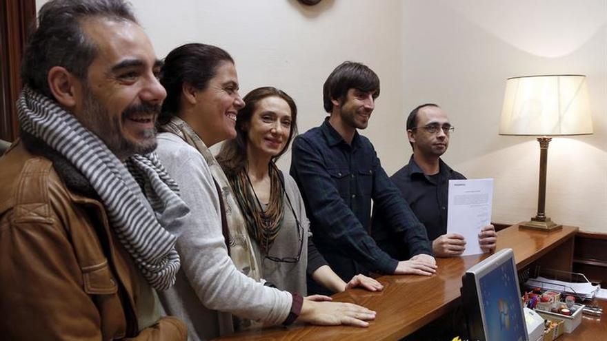 """Podemos pide al Congreso derogar la llamada """"tasa Google"""""""