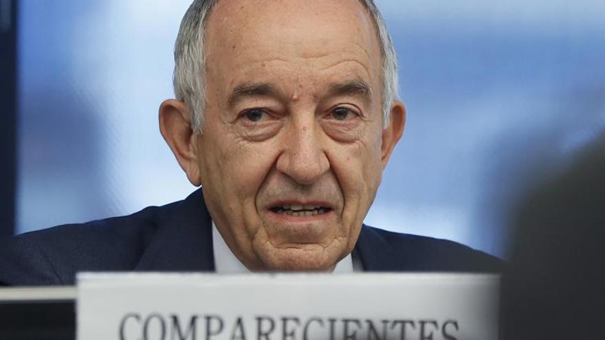 Fernández Ordóñez: los pocos recursos públicos dilataron la reconversión bancaria