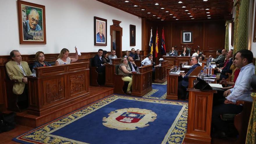 Sesión plenaria del Ayuntamiento de Telde celebrada este viernes. (ALEJANDRO RAMOS)