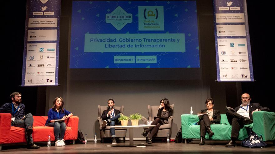 1.200 profesionales debaten en Las Naves sobre las amenazas a la libertad de expresión en internet
