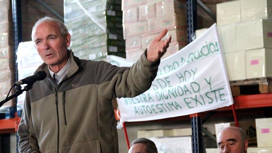 Paco Casero, durante el acto celebrado en Zamoranos (Priego de Córdoba) donde ha puesto fin a su huelga de hambre.