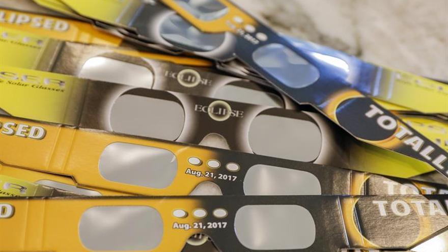 EE.UU. se prepara para el espectáculo del eclipse solar total de este lunes