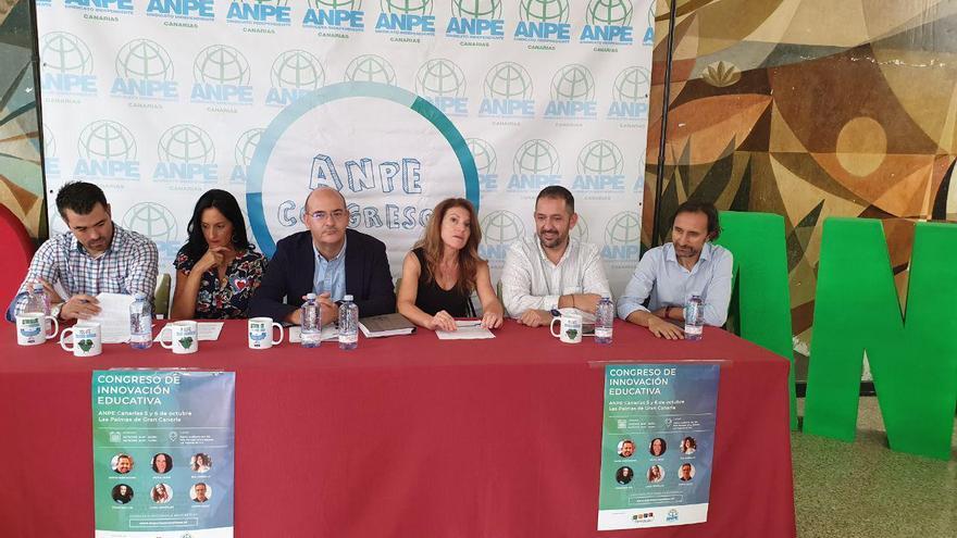 Mesa presidencial del I Congreso de Innovación Educativa organizado por ANPE Canarias