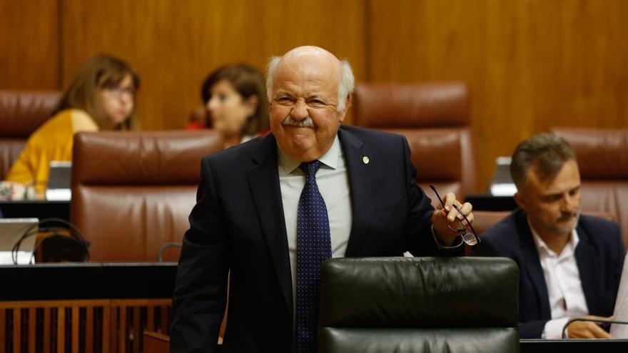 """Aguirre ve """"lógica"""" la finalización de contratos en el SAS tras el verano y PSOE le pide que """"rectifique o se vaya"""""""