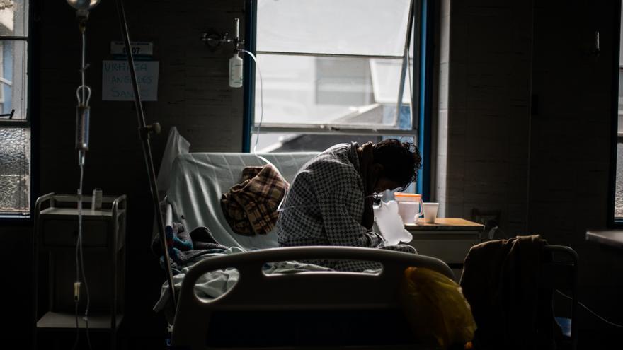 El último reporte del Ministerio de Salud arrojó 3.879 nuevos contagios en las últimas 24 horas, fruto de cerca de 30.000 pruebas procesadas, lo que dio una tasa de positivos del 13 %, una de las más bajas de las últimas semanas.
