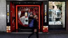 La ley valenciana contra la ludopatía que teme la patronal del juego: control del acceso, la publicidad y la distancia de los colegios y sin créditos a jugadores