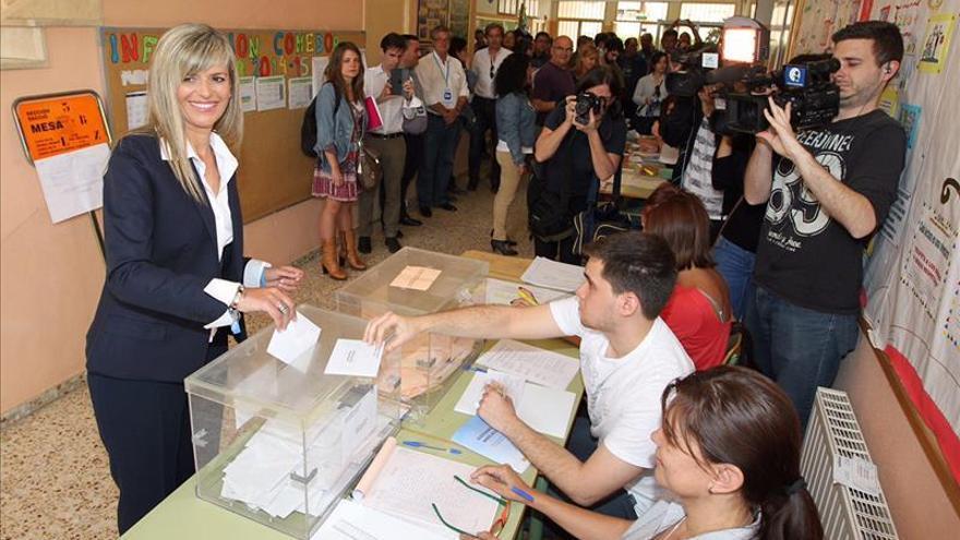 El PP pasaría de 18 a 8 concejales en Alicante, al 85,21 % escrutado