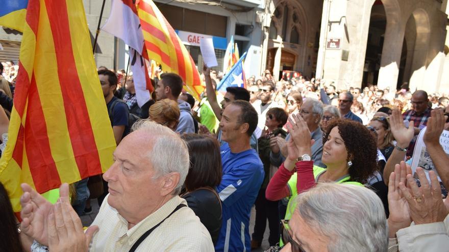 Unas 2.000 personas protestan en Lleida por la operación contra el referéndum en Barcelona