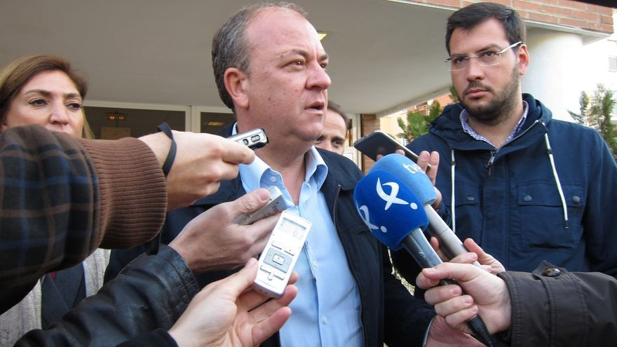 """Monago defiende que con independencia de quién gobierne no se ponga """"en duda"""" el papel de los centros concertados"""