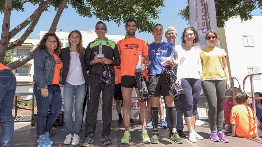 La recaudación de la Carrera Popular de Taco se donó a la asociaciones para la Diabetes de Tenerife y Pequeño Valiente