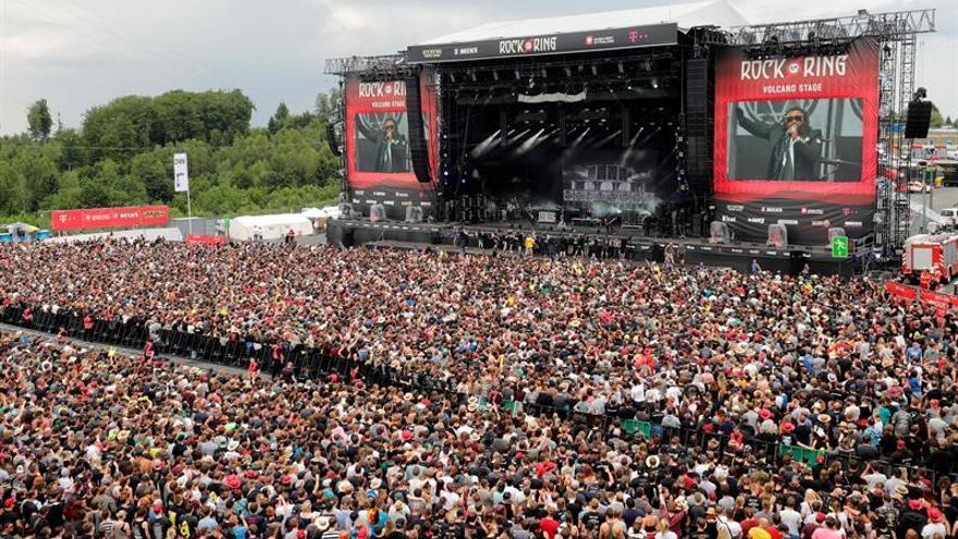 Alarma terrorista deja en suspenso un multitudinario festival de rock alemán