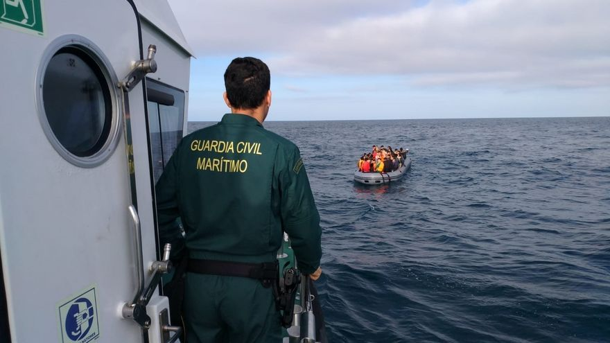 Ascienden a 205 los inmigrantes rescatados en el mar a bordo de varias pateras