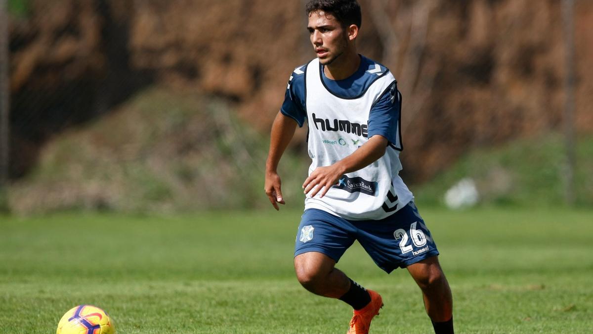 Ale Cruz en un entrenamiento en El Mundialito.