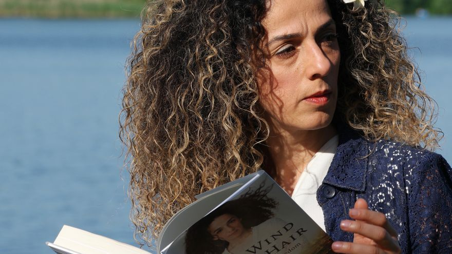 Masih Alinejad, autora del libro 'The Wind in My Hair: My Fight for Freedom in Modern Iran'.