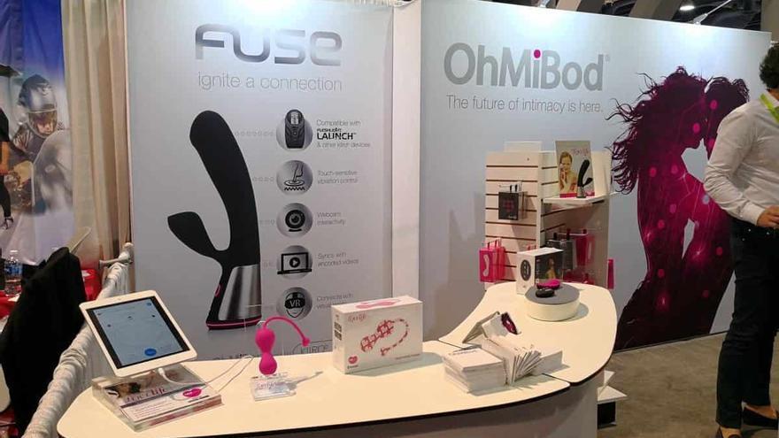 Otros juguetes sexuales, como el dispositivo de control remoto OhMiBod, fueron presentados otros años en la convención.