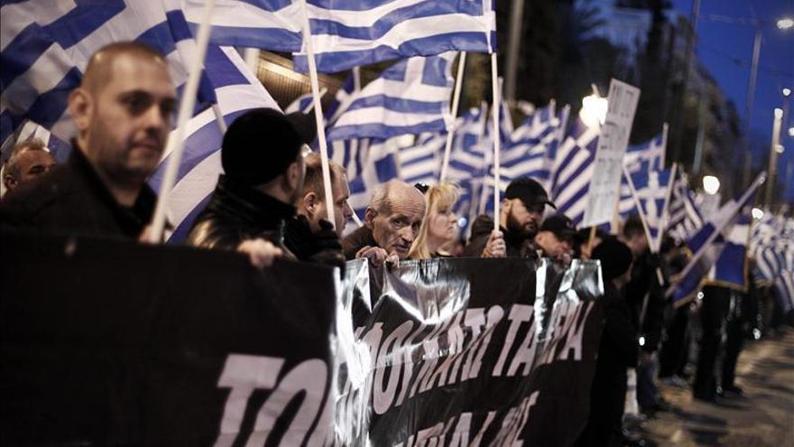 Simpatizantes del partido griego de extrema derecha Amanecer Dorado durante una concentración en 2013.