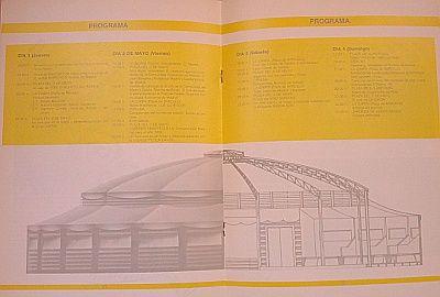 Interior del programa de mano de 1986. En el dibujo se puede ver la carpa que se instaló en la plaza Barceló | Foto: Somos Malasaña