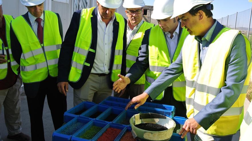 La Junta garantiza una segunda vida a las ruedas de Seseña y calcula que la parcela estará limpia este mismo año