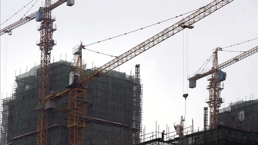 Las presiones a la baja en la economía china siguen aumentando, según estudio