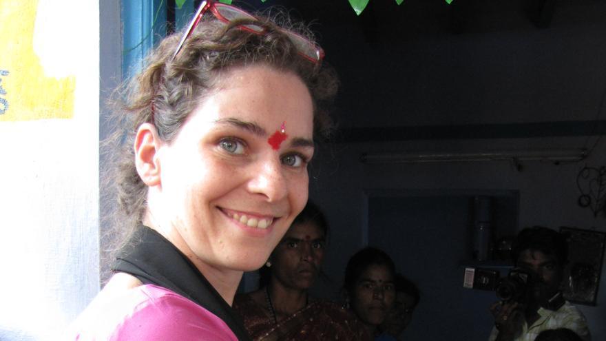 Sara Crespo durante una de sus estancias como cooperante en la India.