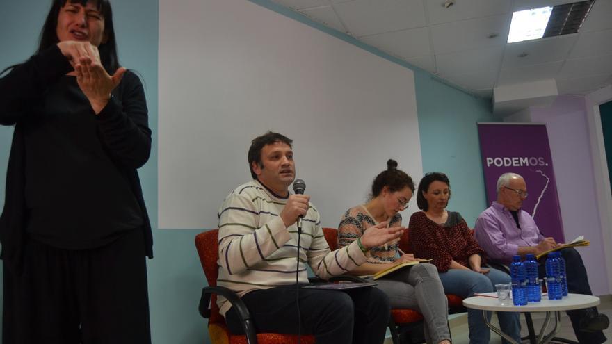 César Jiménez, Teresa Bellido, Paz Beltrán y Antonio Montiel, en la inauguración de la sede de Podem en Castellón.