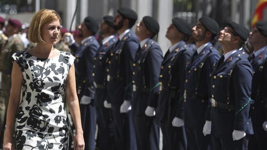 Cospedal recuerda que las Fuerzas Armadas están para proteger la integridad y soberanía de España