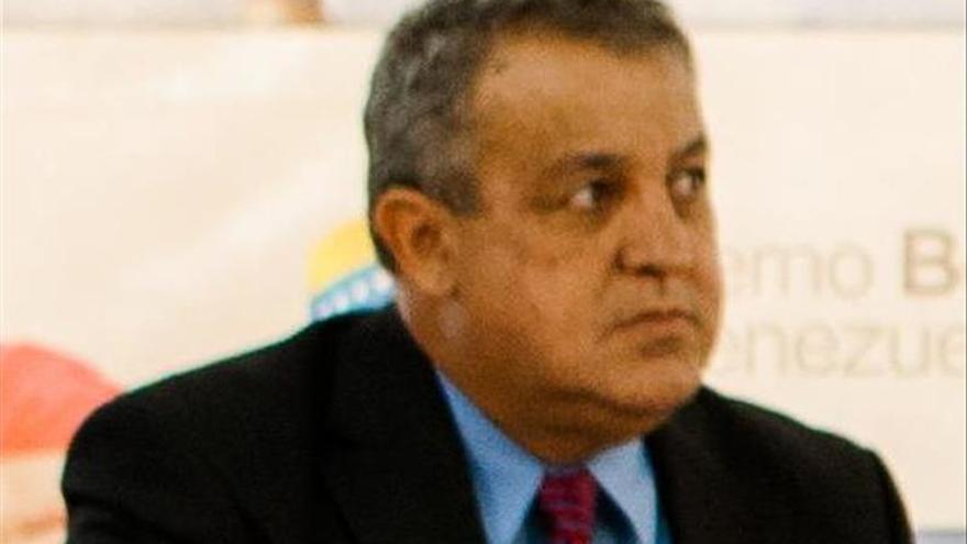 """El ministro de Petróleo venezolano afirma que EE.UU. quiere """"fracturar"""" a PDVSA"""