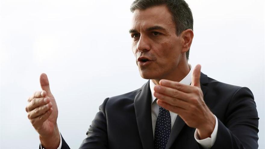 """Sánchez se enfrenta hoy a su primer """"cara a cara"""" con Casado en el Congreso"""