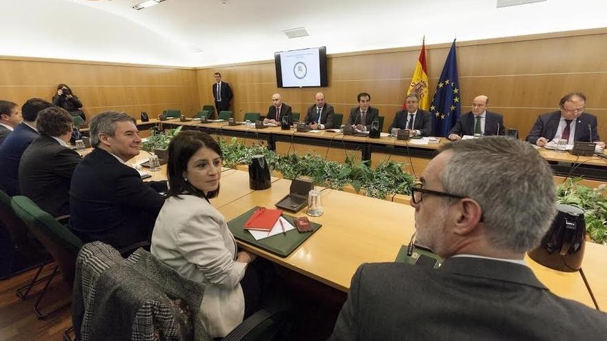 """Los partidos aplauden que el Pacto Antiyihadista sea más """"proactivo"""" y Podemos insiste en evitar vetos"""